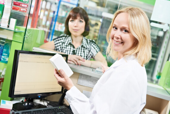 How Does Talking to a Pharmacist About Your Health and Medication Concerns Help?